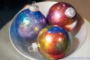 glitter-galaxy-ornaments-diy-4